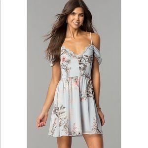 EUC Lulu's blue floral cold shoulder midi dress XS
